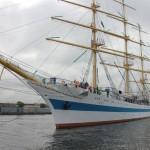 Возвращение парусного учебного судна «Мир»