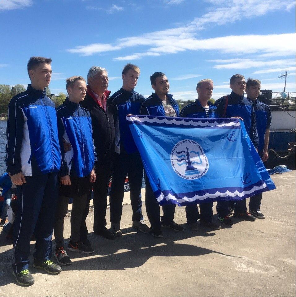 19-20 мая представители ГУМРФ посетили эстонский город Нарву и поздравили Нарвский клуб юных моряков с 60-летним юбилеем
