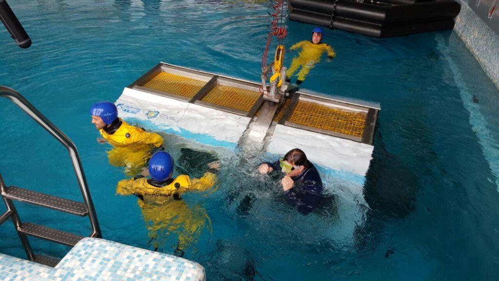Морской УТЦ ГУМРФ имени адмирала С.О. Макарова совместно с футбольным клубом «Зенит» принял участие в проекте «Время Арктики»