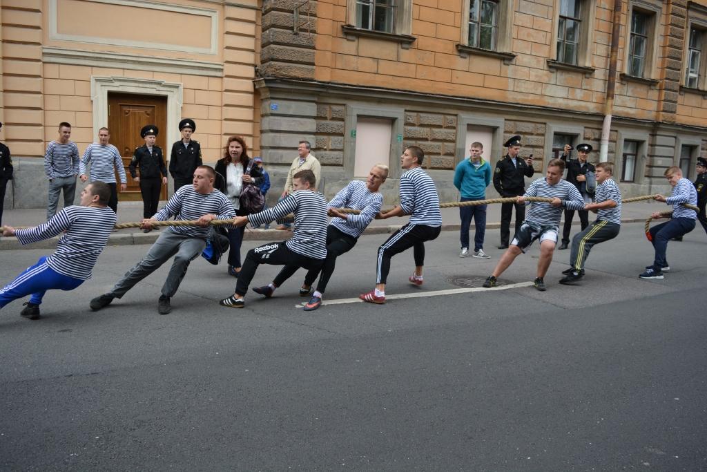 3 сентября в Адмиралтейском районе состоялись праздничные мероприятия, посвященные Дню рождения российской тельняшки