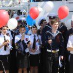 Парусник «Мир»: День Победы в Гамбурге