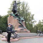 Евгений Дитрих посетил Кронштадт, где вместе с участниками мотопробега и представителями ГУМРФ почтил память легендарного адмирала Макарова.